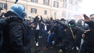 """Roma, tensione alla manifestazione """"IoApro"""""""