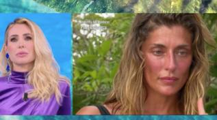 """""""L'Isola dei Famosi"""", le lacrime di Elisa Isoardi per la lettera del fratello"""