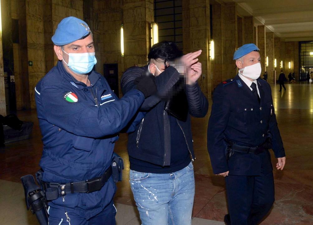 Bimbo massacrato e ucciso a botte: l'agghiacciante processo a Milano