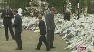 """William e Harry """"separati"""" da un cugino al corteo funebre del nonno"""