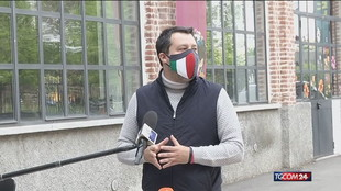 "Salvini ""brucia"" Draghi e annuncia le riaperture"