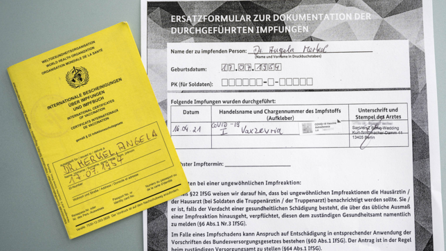 Merkel vaccinata con AstraZeneca
