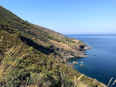 Pantelleria, una Spa naturale con cento km di passeggiate