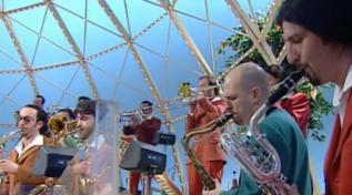 """Quando Demo Morselli suonò il tema di Star Wars a """"Buona Domenica"""" 1997"""
