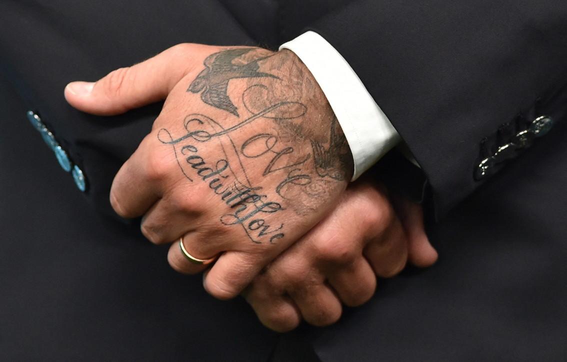 Mode e trend, tatuaggi su mani e dita: i preferiti da star e celebs