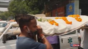 Covid, 400mila casi in un giorno in India