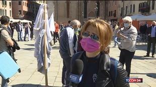 """Venezia """"chiusa"""" ai turisti, proteste in piazza"""