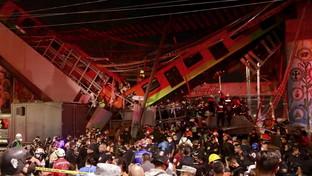 Città del Messico, crolla ponte durante passaggio metro: strage