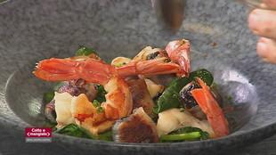 Flan di piselli e Padellata di spinaci, prugne, pancetta e gamberi