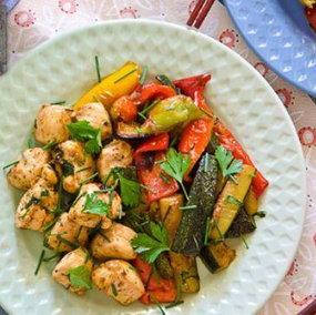 Pollo thai con verdure, piatto unico facile e gustoso