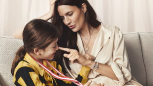 Festa della mamma 2021, gioielli Pandora: la collezione per celebrare l'amore