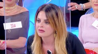 """Riccardo e Roberta in crisi, la coppia torna a """"Uomini e Donne"""""""