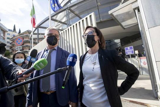 """Processo Cucchi, la sorella Ilaria: """"Il mio pensiero va a Stefano e ai miei genitori"""""""