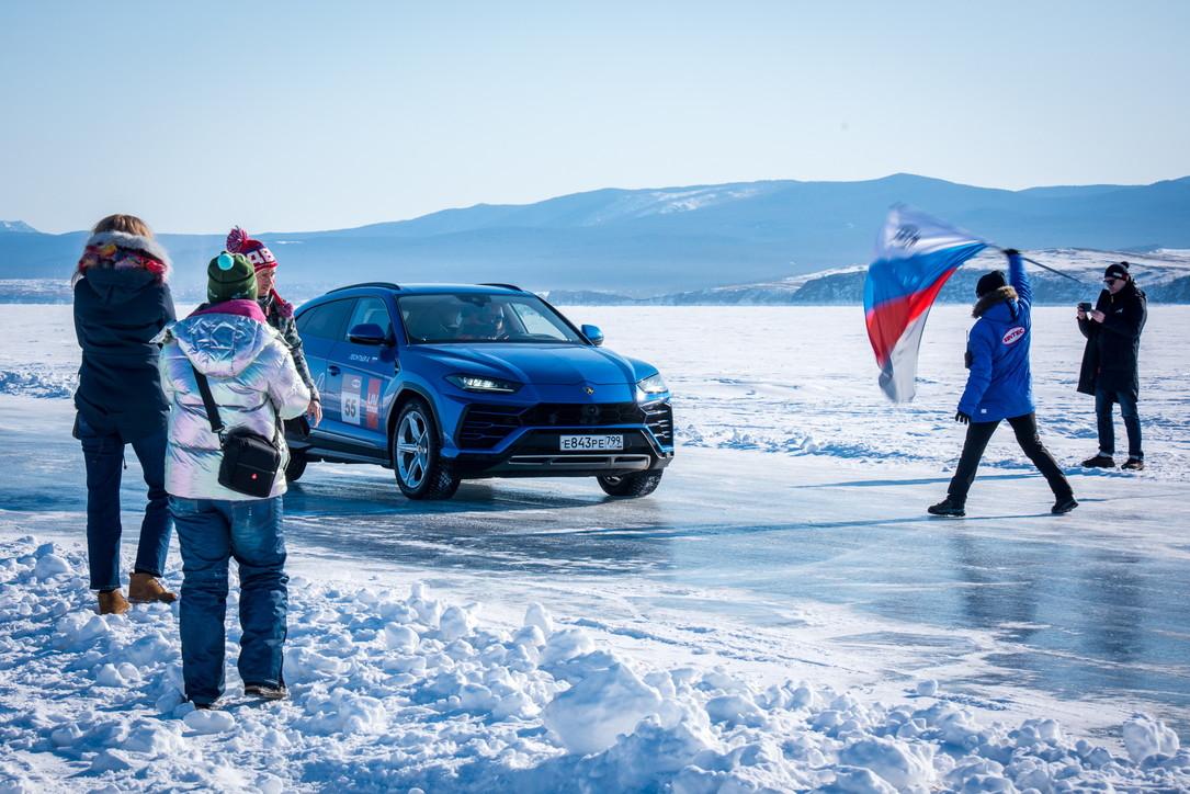 Il record di Urus sul lago Bajkal