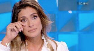 """Elisa Isoardi si emoziona rivedendosi a """"L'Isola dei Famosi"""": """"Mai vista così, esperienza durissima"""""""