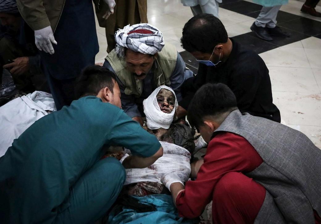 Autobomba davanti a una scuola femminile a Kabul: è strage