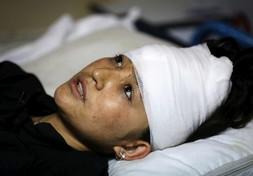 Kabul, autobomba fa strage in una scuola femminile