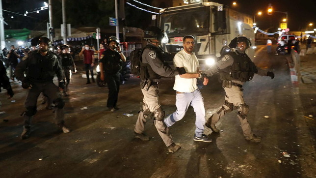 Gerusalemme, scontri sulla Spianata delle Moschee