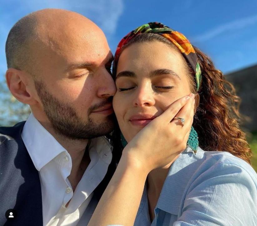 """Nicolò Zenga e Marina Crialesi di """"Un posto al sole"""" si sposano"""