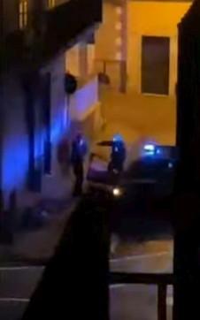 Terzigno (Napoli), ragazzo preso a calci da un carabiniere: indagini in corso