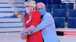 """""""Uomini e Donne"""", Gemma si ingelosisce e ritorna con Aldo"""