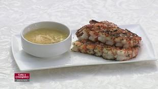 Trancetto di pesce con crema di zucchine  e menta e Spiedini di gamberi con pane verde