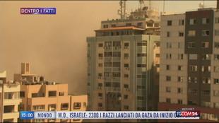 Gaza, bombardato il palazzo sede dei media