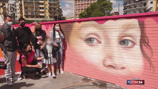 Napoli, un murale per Noemi: ferita per caso durante una sparatoria