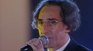 """Quando Franco Battiato cantava """"La Cura"""" al """"Festivalbar"""""""