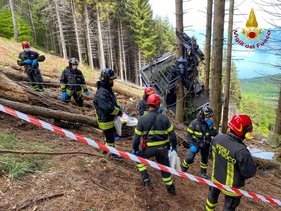 Funivia Stresa-Mottarone, la cabina precipitata in uno dei punti più alti del percorso