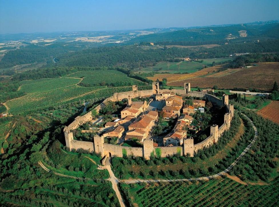Toscana: il medioevo di Dante a Monteriggioni