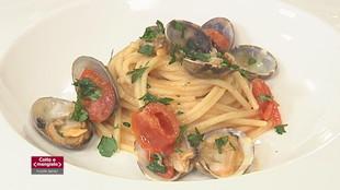 Catalana cipolle e gamberetti , rana pescatrice e pancetta e spaghetti alla vongole