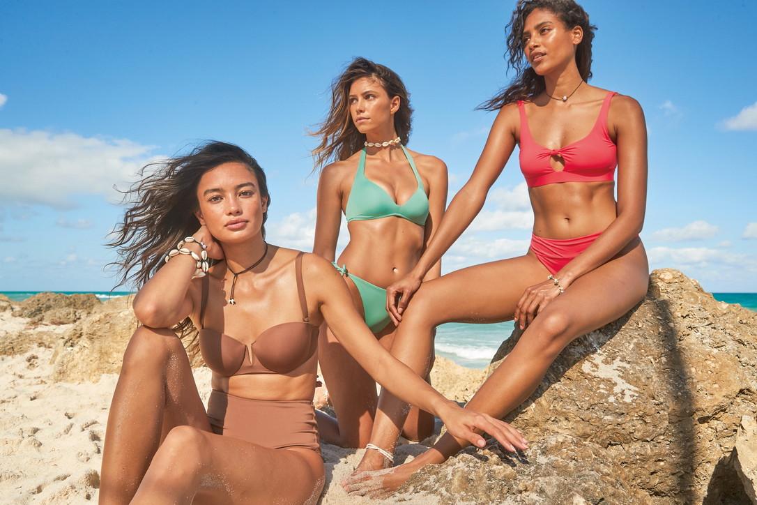 Moda mare, Calzedonia Swimwear 2021: la linea di bikini sostenibile