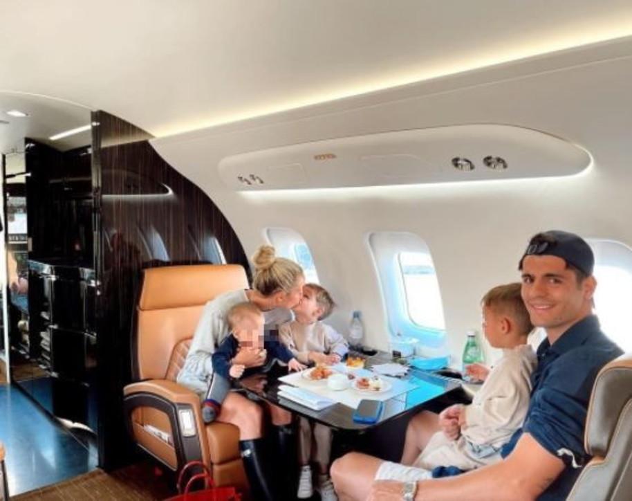 Morata papà di lusso, con i figli e la Campello vola altissimo
