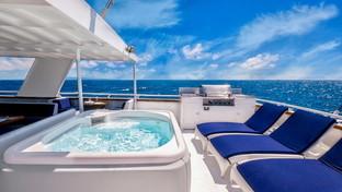 Porta un po' di mare in casa: arreda il terrazzo come uno yacht