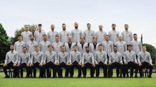 Europei, la divisa della Nazionale di calcio firmata Emporio Armani