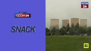 Inghilterra, la partita di calcio è interrotta da... un'esplosione