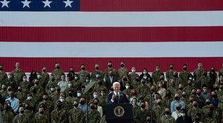 Biden in visita le truppe Usa di stanza in Inghilterra