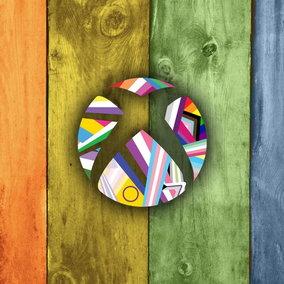 Videogiochi: utente protesta contro il logo Xbox per il Pride Month e la rete lo attacca