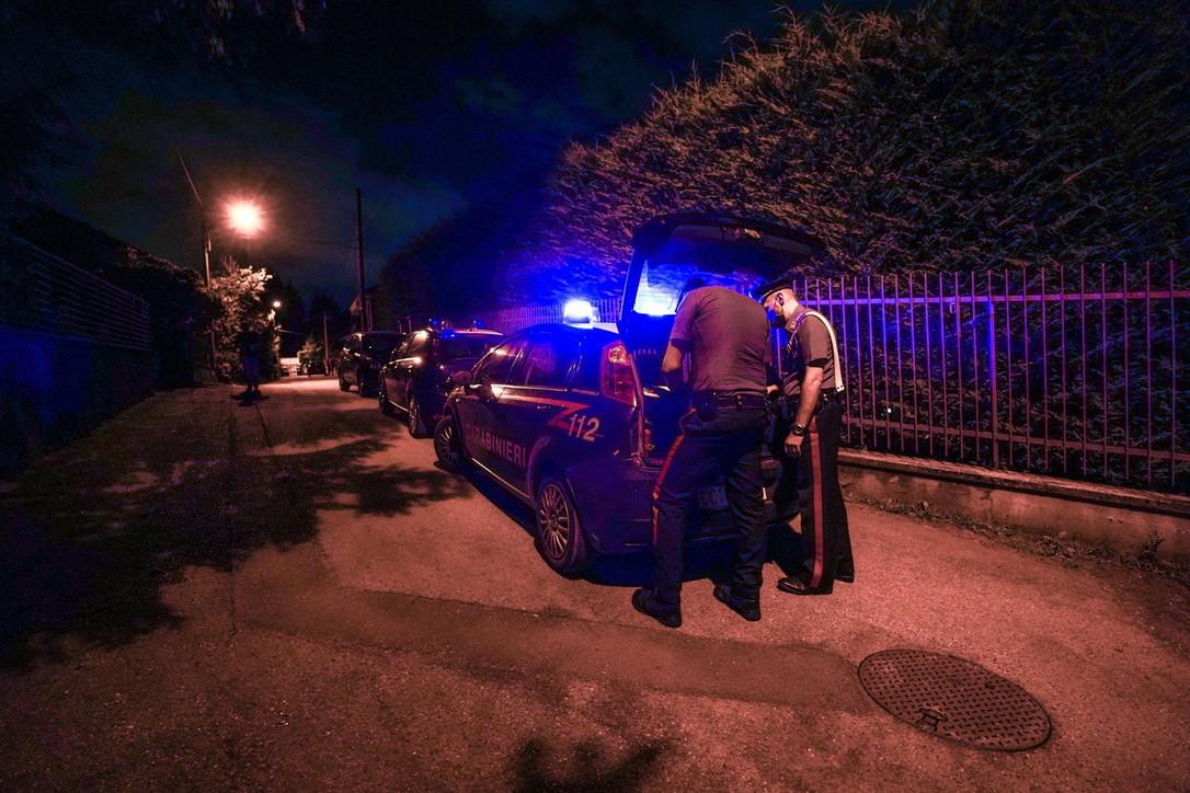 Torino, uccide la moglie e il cane: poi si suicida
