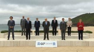 I big del mondo in spiaggia in Cornovaglia per aprire il G7
