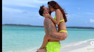 Alessia Macari alle Maldive con il marito Oliver, come in luna di miele