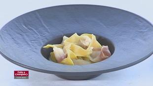 Uova ripiene al cucchiaio e Tortelli con asparagi e salmerino affumicato