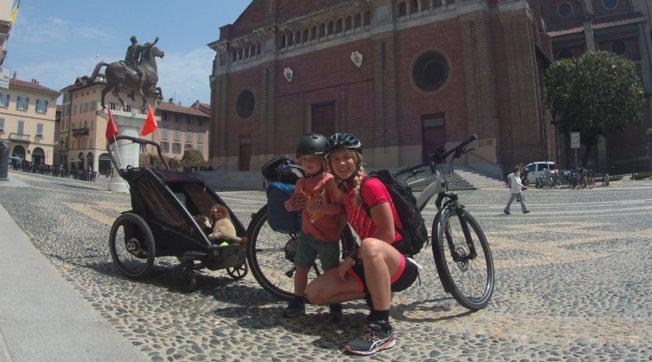 Donnavventura, 550 chilometri a pedali: un'impresa mamma-figlio