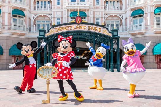 Disneyland Paris riapre i cancelli della magia