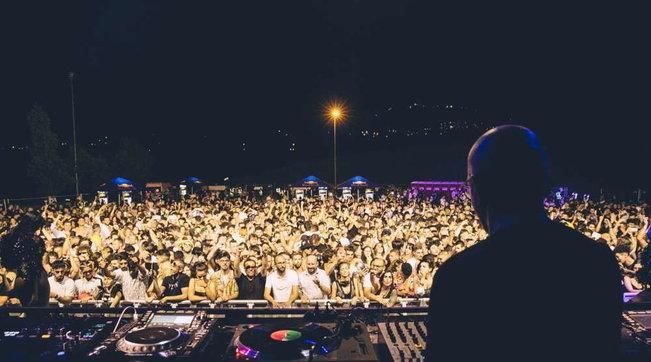 A San Marino in 2.700 ballano nella discoteca Covid-free