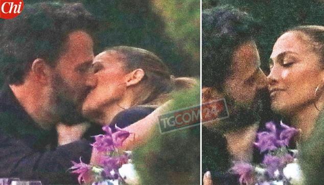 Jennifer Lopez e Ben Affleck, ecco il bacio che tutti aspettavano