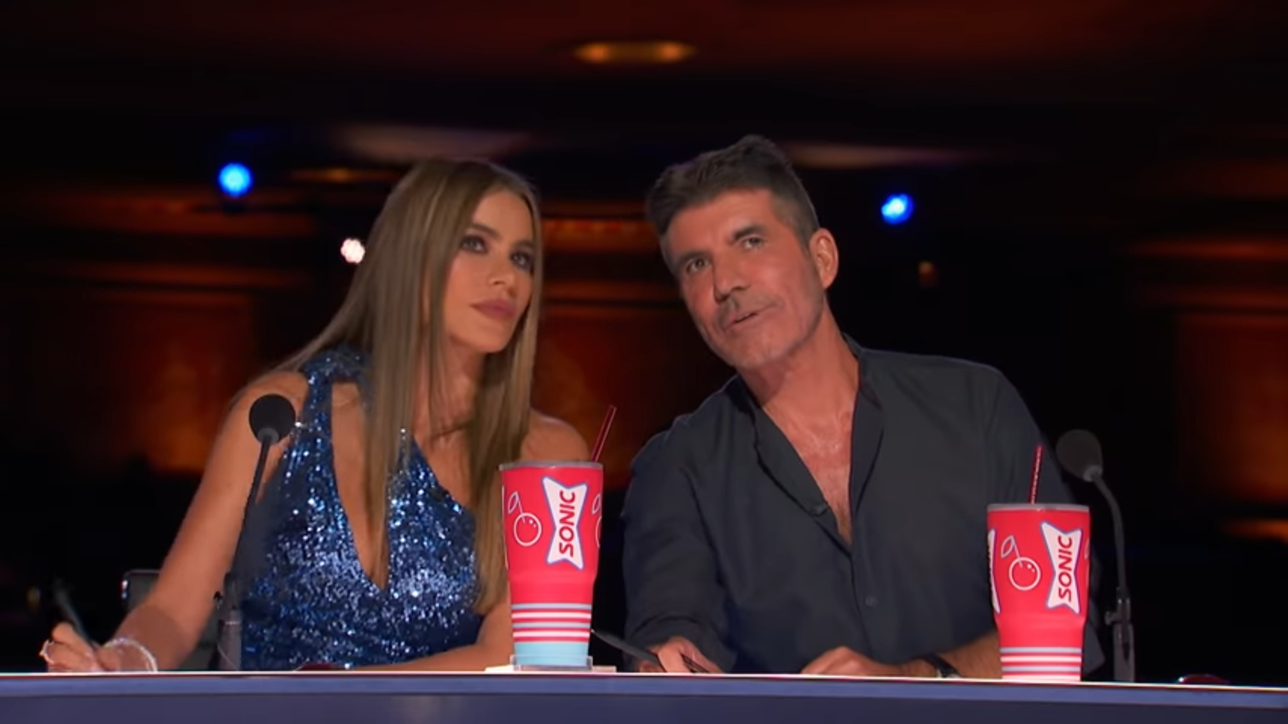 Sofia Vergara sotto shock in tv: crede di aver ucciso Simon Cowell