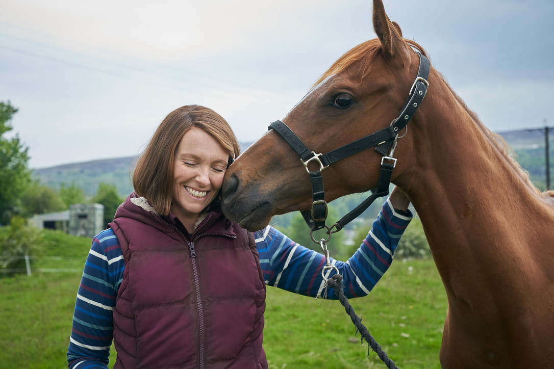 """""""Dream Horse"""", le immagini del film con Toni Colette"""