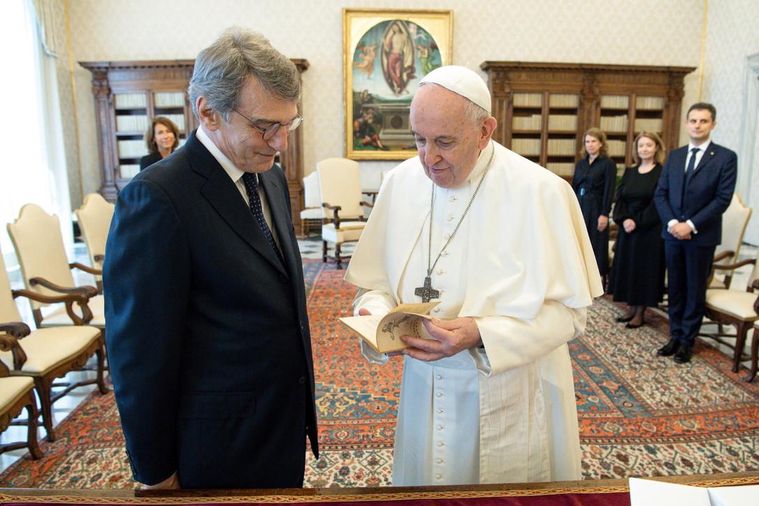 Ue, Sassoli incontra il Papa: focussulla necessità di proteggere i più deboli e vulnerabili
